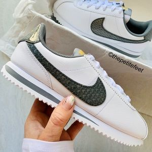 NWT Nike Cortez sneakers dragon 🐉